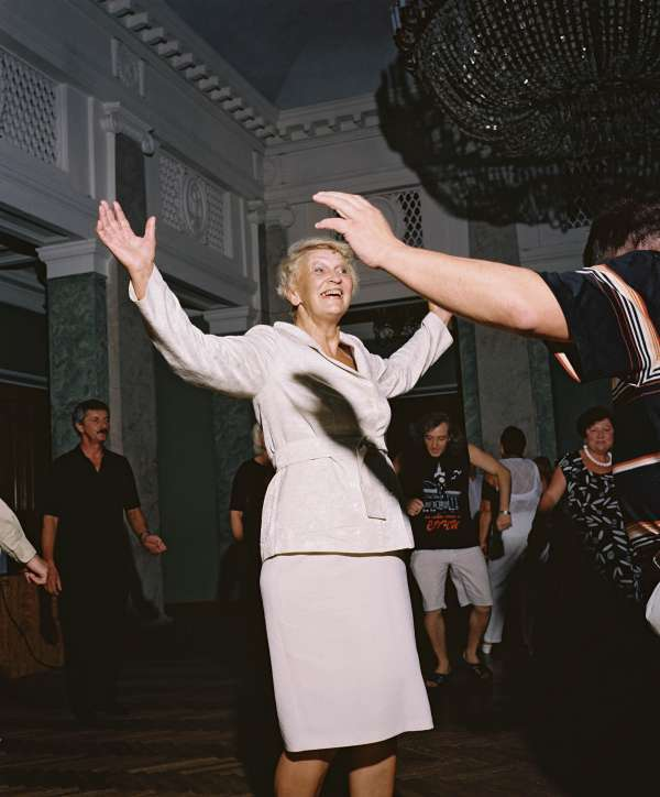 rh091015_sp1902_dance_night